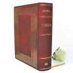 biblia z dedykacją na pamiątkę I Komunii Świętej